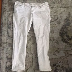 Old navy sweetheart white jeans